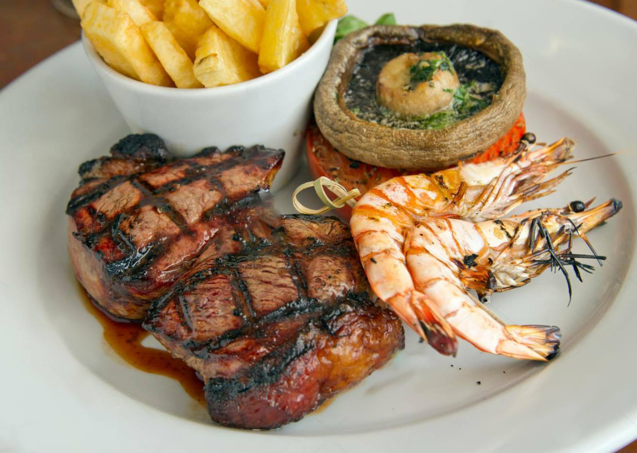 Surf and Turf (Steak & King Prawns)